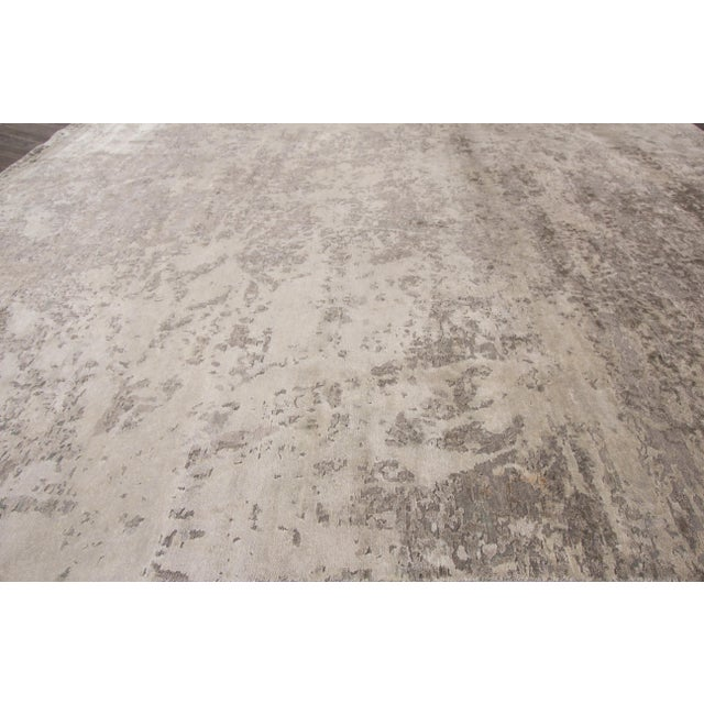 """Apadana - 21st Century Contemporary Indian Rug, 7'11"""" x 9'9"""" For Sale In New York - Image 6 of 7"""
