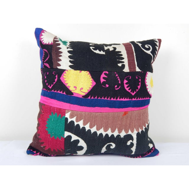 """Vintage Suzani Cushion Cover 20"""" X 20"""" For Sale In Philadelphia - Image 6 of 6"""