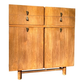 Mid-Century Art Deco Style Chest of Drawers by American of Martinsville For Sale