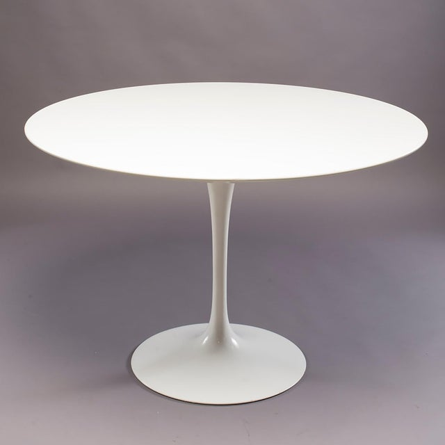 Excellent Knoll Saarinen White Laminate Tulip Table With Four - Saarinen table white laminate