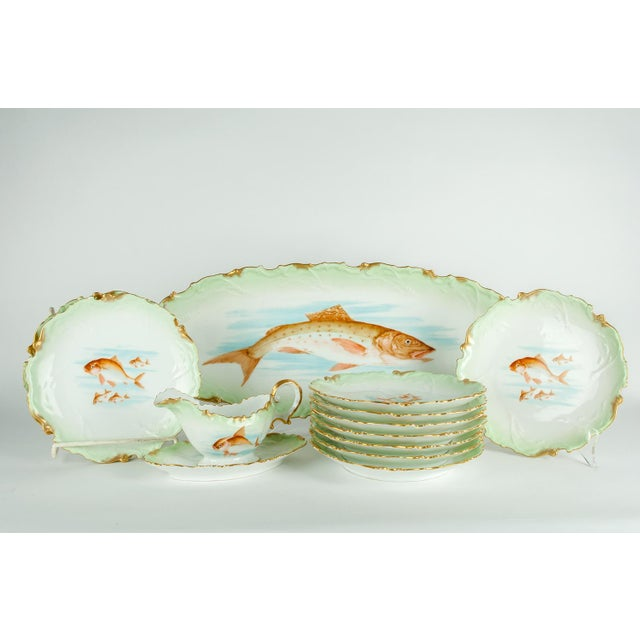 Traditional Limoges Victorian Era Porcelain with 22k Gold Details & Hand Painted Fish Serving Set of 13 For Sale - Image 3 of 8