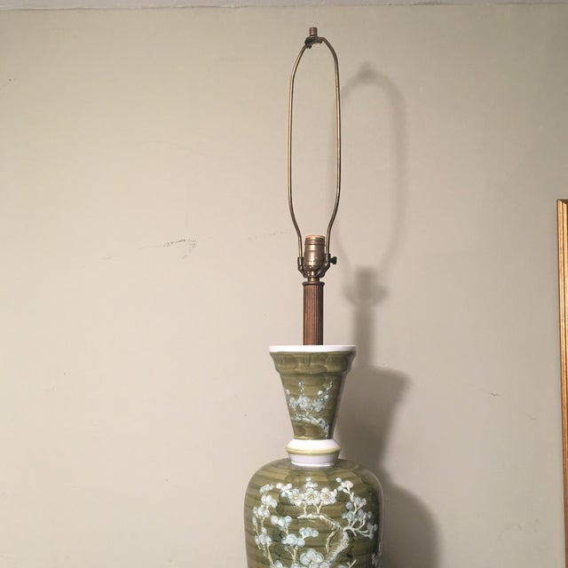 1960s Mid-Century Chinoiserie Chilo Lamp For Sale - Image 4 of 8