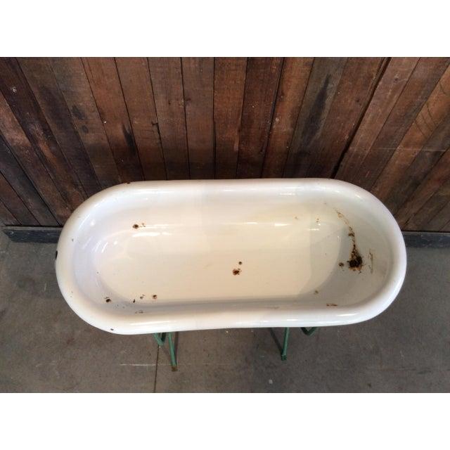 Vintage White Baby Bathtub - Image 2 of 4