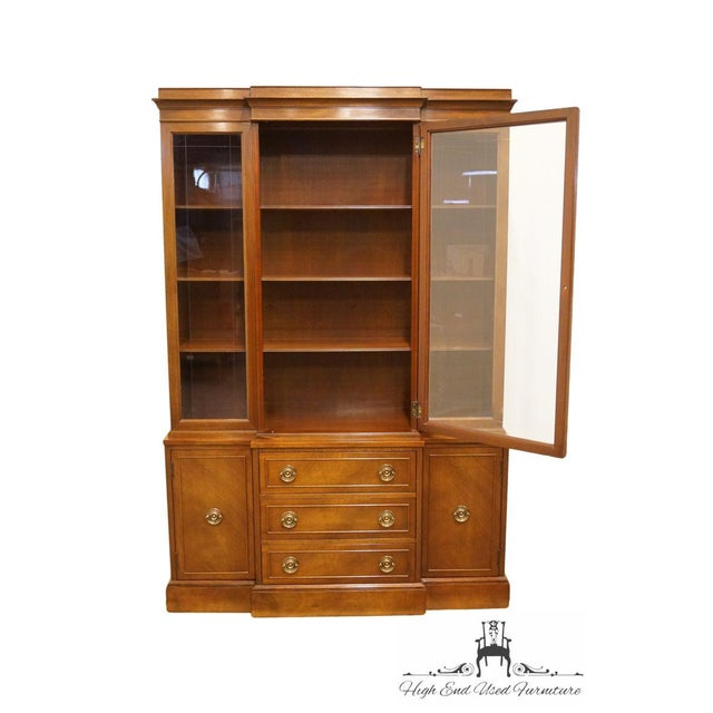 RWAY Late 20th Century Vintage Rway Mahogany Block Front Duncan Phyfe China Cabinet For Sale - Image 4 of 13