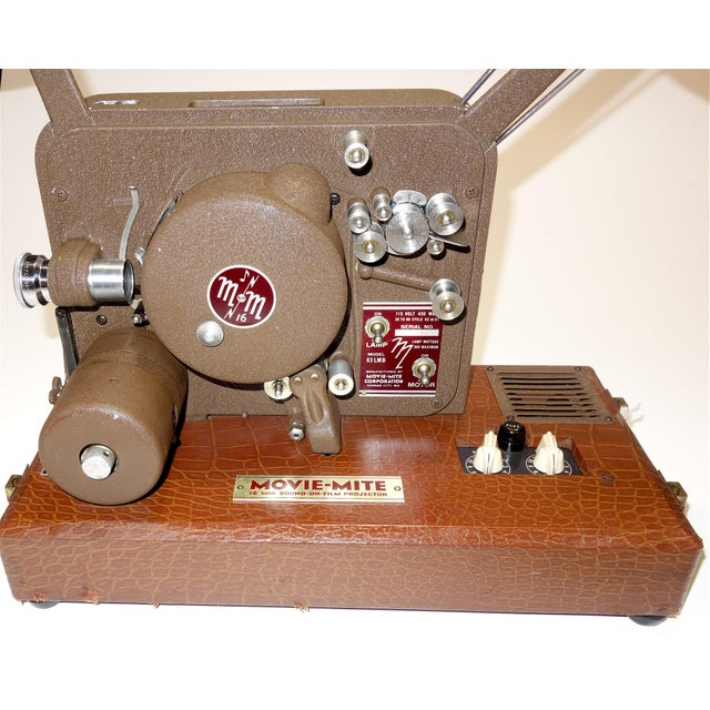 1940s Circa 1940's Sound and Picture Movie Projector. Art Deco Design. All Original 16mm Artifact For Sale - Image 5 of 13