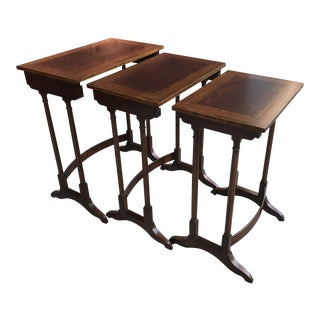 1980s Vintage Henredon Mahogany Inlay Nesting Tables - Set of 3