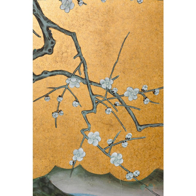 """2000 - 2009 Sung Tze-Chin Chinoiserie Hanging Screen Ink on Gold Foil """"Red-Crowned Cranes at the River"""" For Sale - Image 5 of 12"""