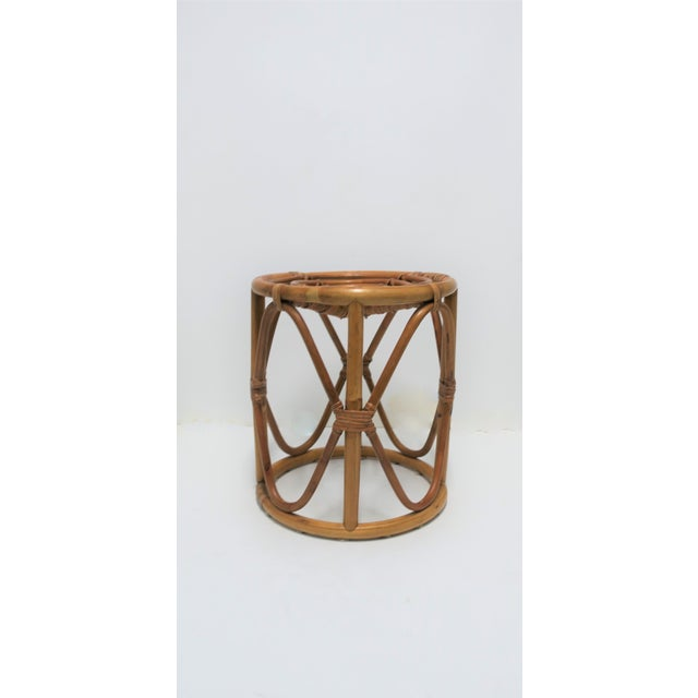20th Century Hollywood Regency Round Wicker Rattan Bentwood Side Table For Sale In New York - Image 6 of 10