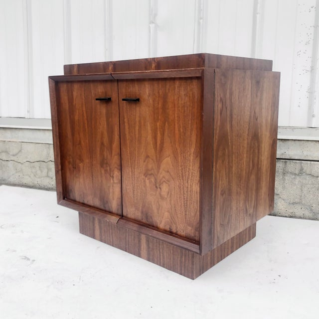 Lane Furniture Mid-Century Brutalist Nightstand For Sale - Image 4 of 13