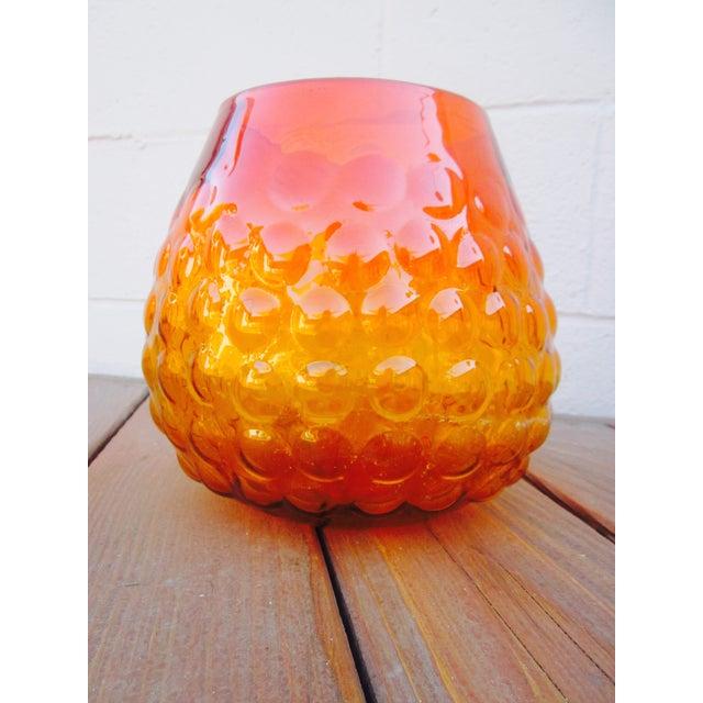 Blenko Bubble Glass Amberina Sandblasted Sig Vase - Image 7 of 11