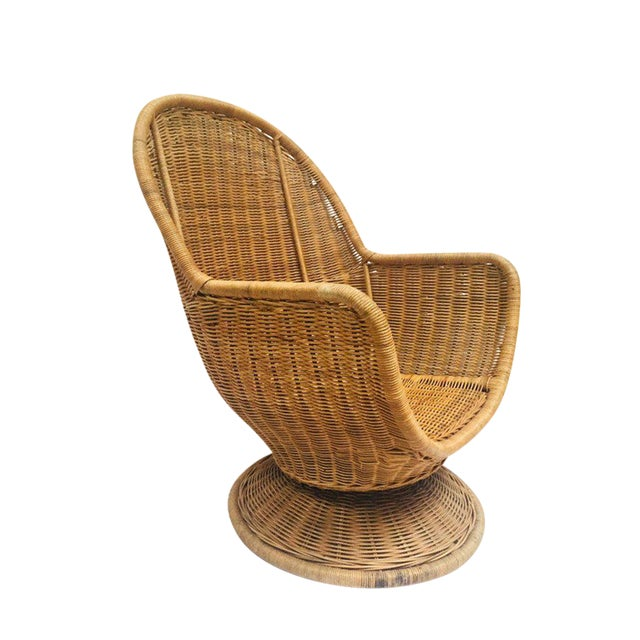 1980s Vintage Sculpted Rattan Egg Chair Swivel Wicker Club Chair For Sale