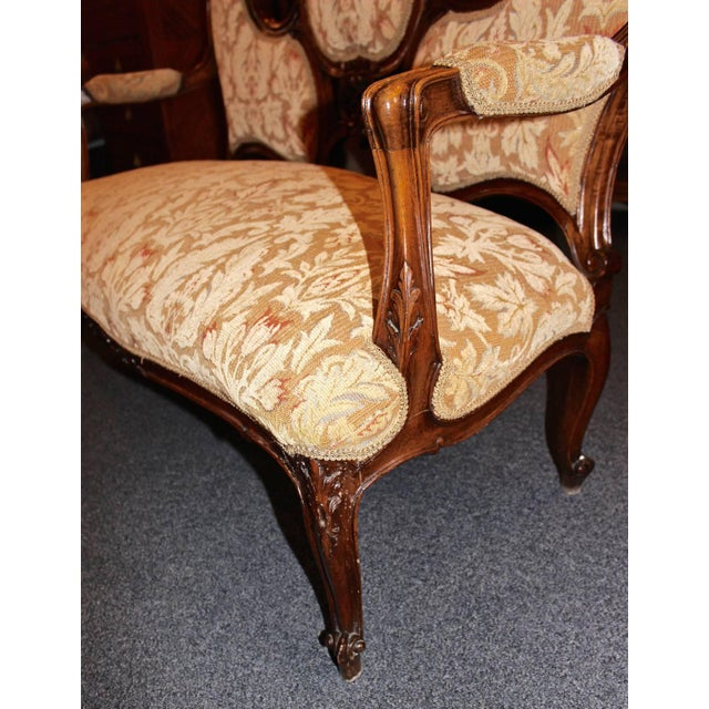 French Louis XV Walnut Settee For Sale In Los Angeles - Image 6 of 9