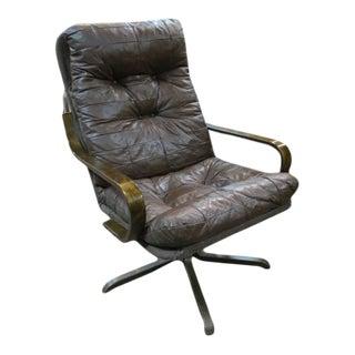 1970s Vintage Danish Modern Vinyl Tufted Swivel Lounge Chair For Sale