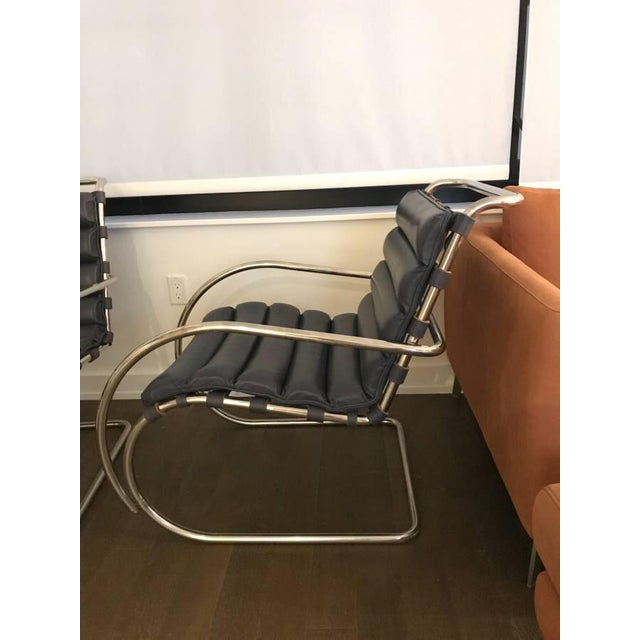 Bauhaus Mies Van Der Rohe for Knoll Mr Lounge Armchairs in Navy - a Pair For Sale - Image 3 of 4