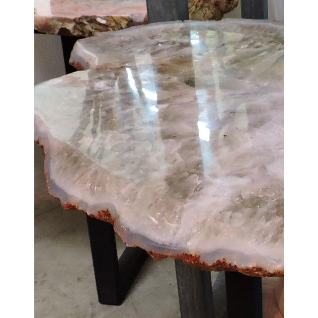 15th Century & Earlier Polished Chalcedony Adventurine Slab Table For Sale - Image 5 of 6