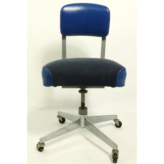 Mid Century Industrial Swivel Desk Office Chair By Steelcase Chairish