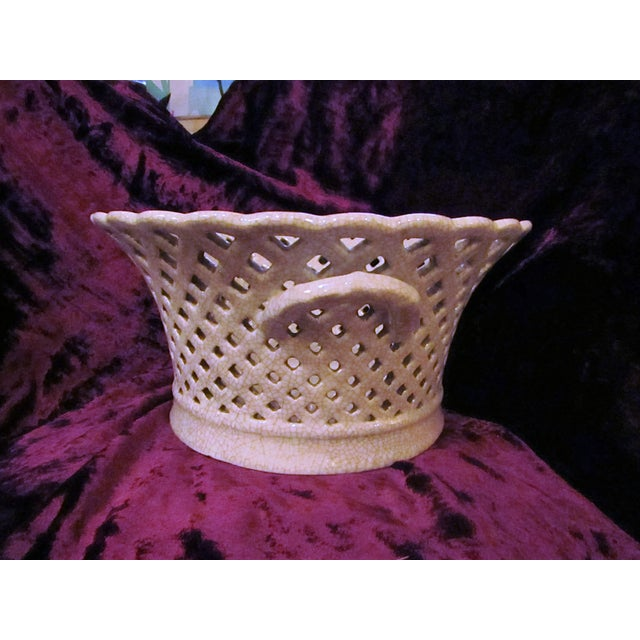 The size and style of this cream colored ceramic lattice dish make it a perfect display, fruit dish or large serving...
