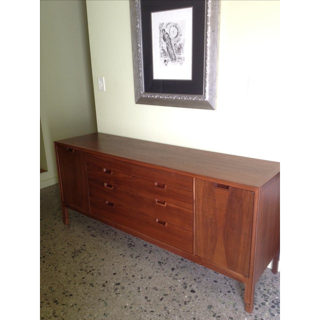 Mount Airy Walnut Dresser - Image 2 of 7