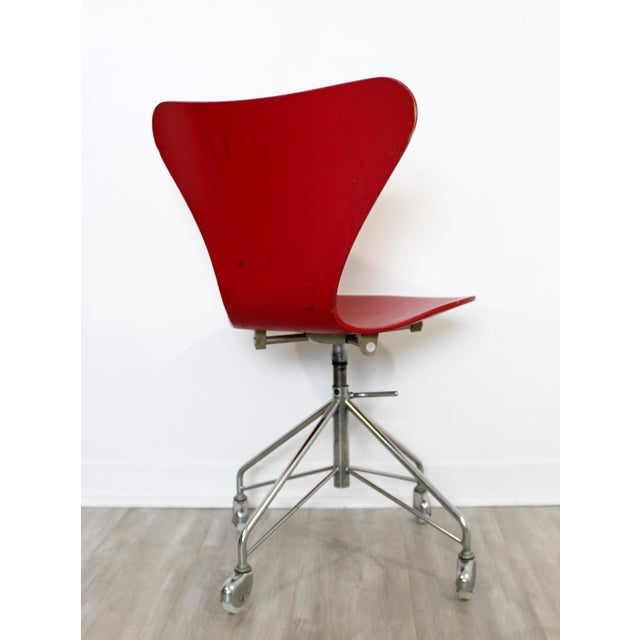 Wood Mid Century Modern Arne Jaconbsen Fritz Hansen Danish Chair Model 3117Red For Sale - Image 7 of 11