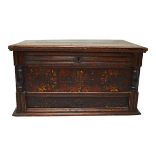 Painted Pine and Oak Trunk or Blanket Chest in Original Paint For Sale