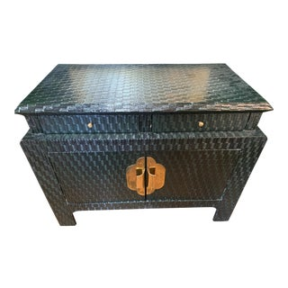 20th Century Chinoiserie Forest Green Lacquered Grasscloth Cabinet For Sale