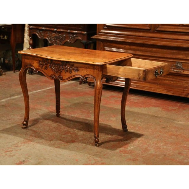 18th Century French Louis XV Carved Bombe Walnut Console Table From Provence For Sale - Image 4 of 9