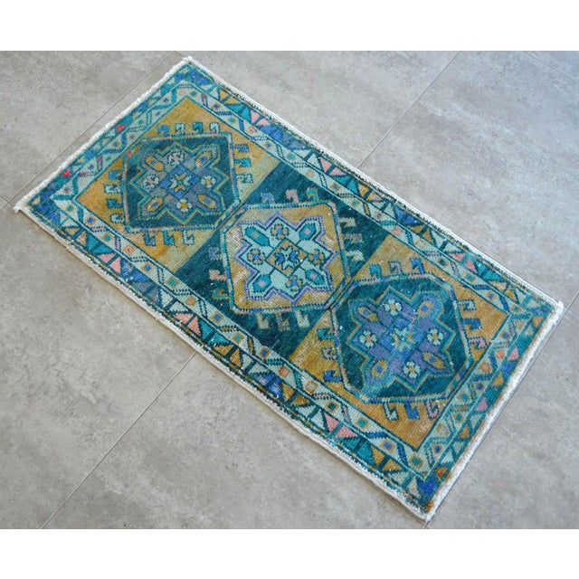 """1970s Hand Knotted Oushak Rug. Faded Oushak Small Rug - 1' 8"""" X 3' 1"""" For Sale - Image 5 of 6"""