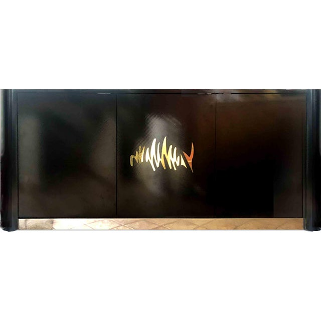 1970s Hollywood Regency Black and Gold Mirror Scribble Credenza For Sale - Image 11 of 12