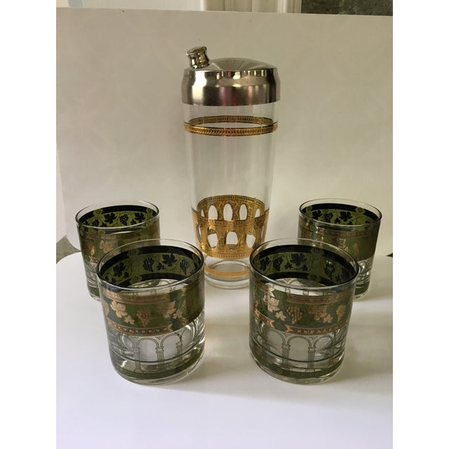 1960's Art Deco Martini Shaker with Double Old Fashioned Glasses - 5 Pieces For Sale - Image 9 of 9