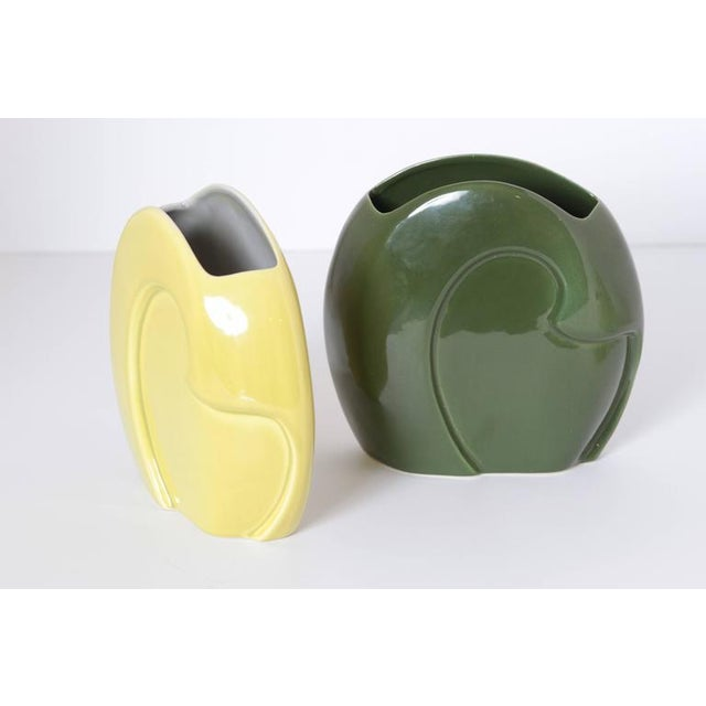 Green Pair of Belle Kogan Patented Pairs Nesting Biomorphic Mid-Century Vases for Red Wing For Sale - Image 8 of 11