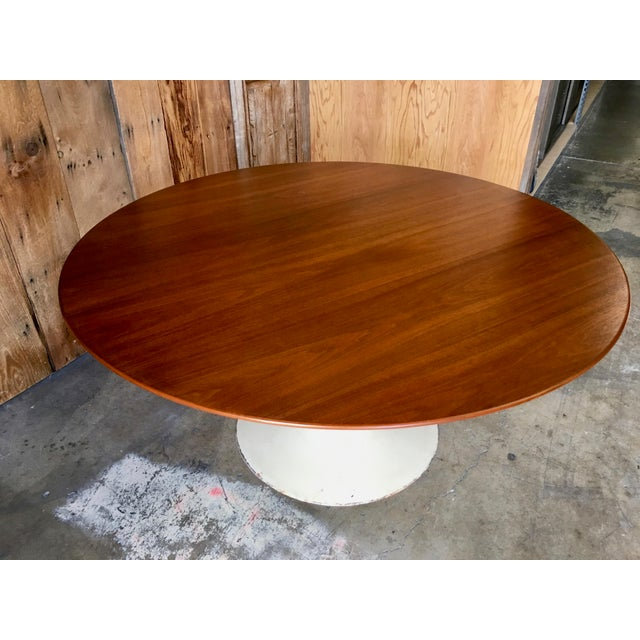 Mid-Century Modern Eero Saarinen for Knoll Walnut Tulip Dining Table For Sale In Los Angeles - Image 6 of 12
