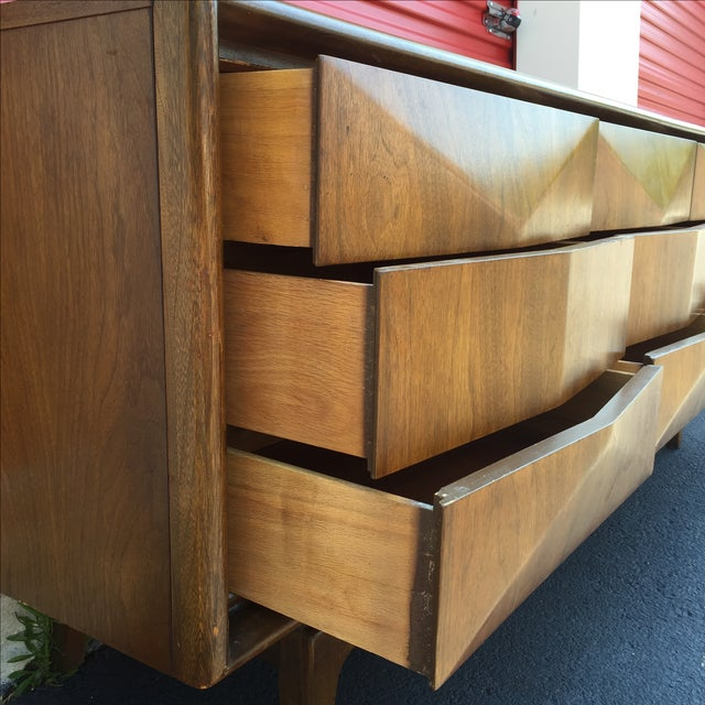 Mid-Century Nine Drawer Diamond Front Dresser - Image 3 of 11