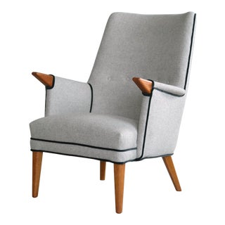 Hans Wegner Style Mama Bear Lounge Chair by Sven Skipper For Sale