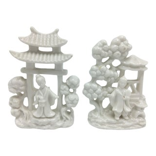 Vintage Chinoiserie Ceramic Pagodas - a Pair For Sale
