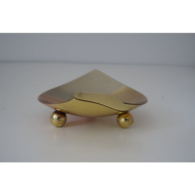 Mid-Century Modern Mid-Century Modern Los Castillo Style Dish Fish Form Mixed Metal Polished and Lacquered Bowl For Sale - Image 3 of 11