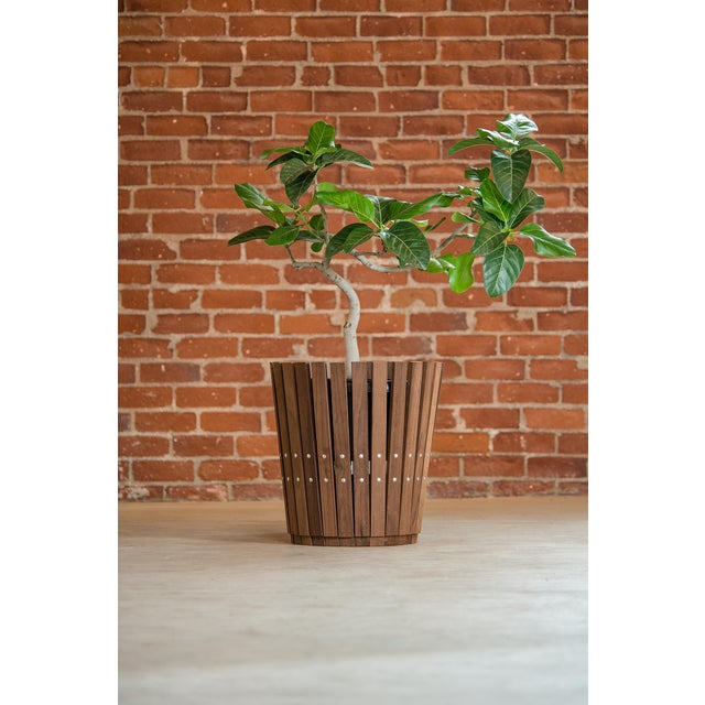 Contemporary Customizable Plantum Natural American Hardwood Modular Planter Cover with Brass Rivets For Sale - Image 3 of 4