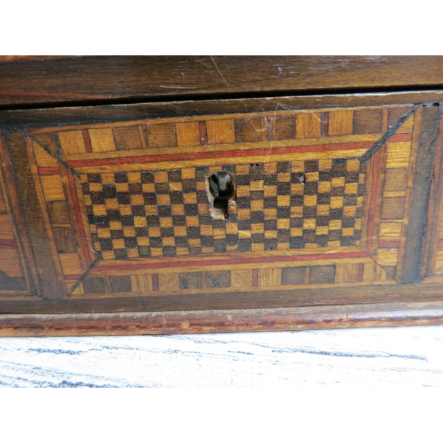 Wood 1980s Vintage Syrian Inlaid Mother of Pearl and Wood Marquetry Box For Sale - Image 7 of 12