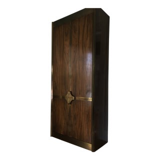 1970s Hollywood Regency Mastercraft Brass & Zebrano Wood Cabinet For Sale
