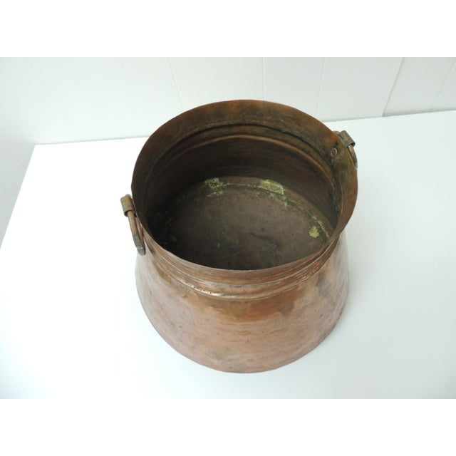 1970s Vintage Round Moroccan Polished Copper Decorative Planter With Handles For Sale - Image 5 of 6
