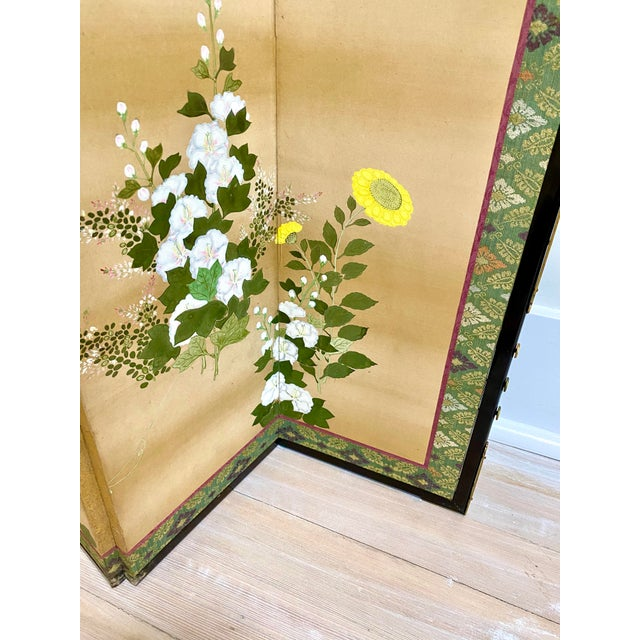 Off-white 19th Century Japanese Byobu 6-Panel Table Screen With Summer Flowers For Sale - Image 8 of 13