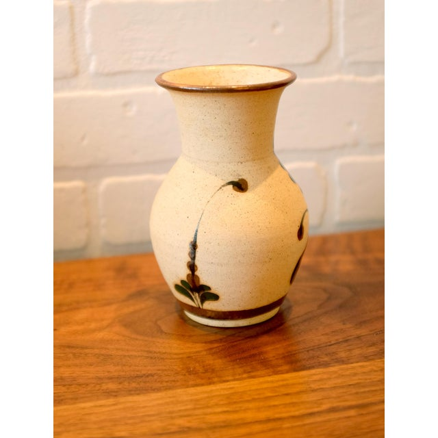 Late 20th Century Hand Painted Mexican Studio Pottery Ceramic Vessel For Sale - Image 5 of 8