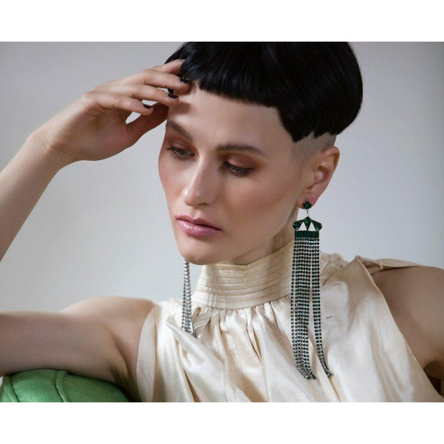 Modern Emerald Fringe Earrings For Sale - Image 3 of 4
