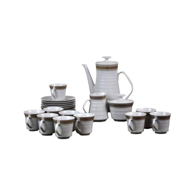 Winterling Marktleuthen Bavaria Mid-Century Modern Embossed Diamonds Coffee Pot Porcelain 23 Pieces Set For Sale