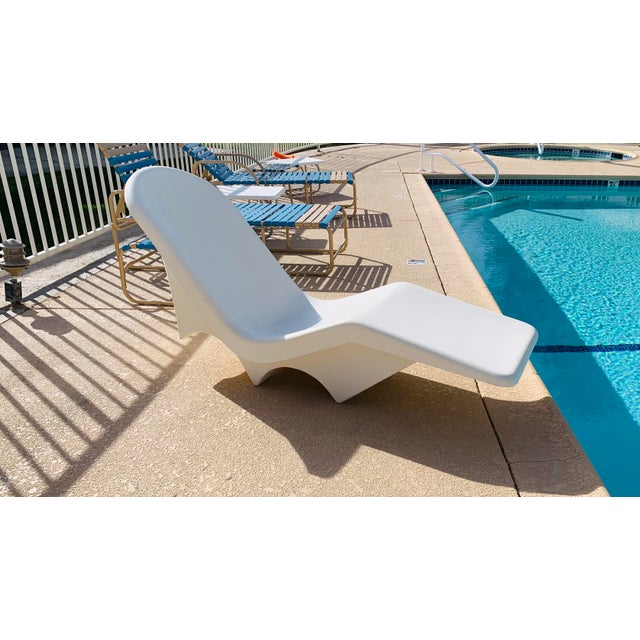 Mid-Century Fibrella Fiberglass Pool Sun Chaise Lounge by Le Barron For Sale - Image 9 of 12