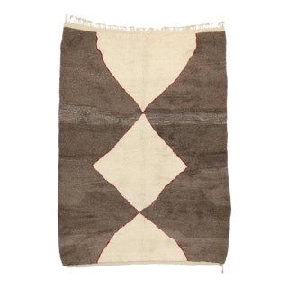 Minimalist Berber Moroccan Rug with Mid-Century Modern Design For Sale
