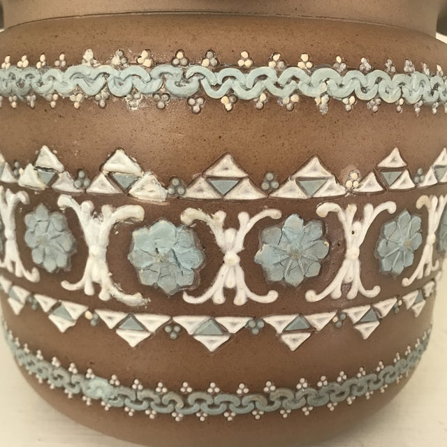 How pretty would this be in a grouping of scalloped pies at Thanksgiving? Rare piece of Royal Doulton Silicon Ware, which...