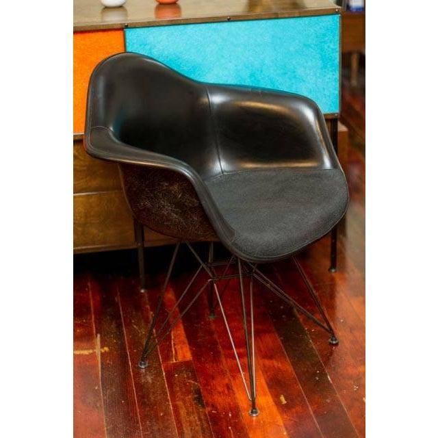 Herman Miller Eames Fiberglass Chair - Image 2 of 5