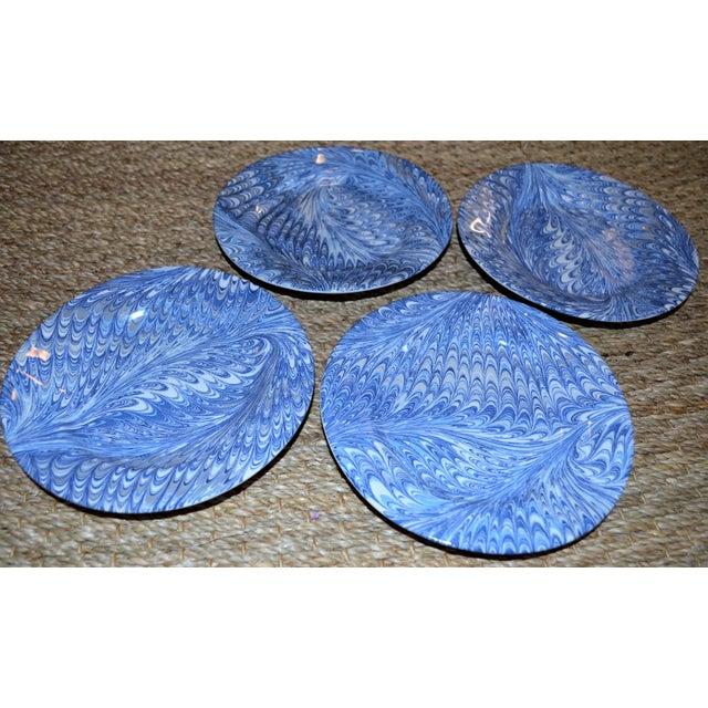 Hollywood Regency Delft Blue Firenze Marbleized Ceramic Cocktail Plates - Set of 4 For Sale - Image 3 of 10