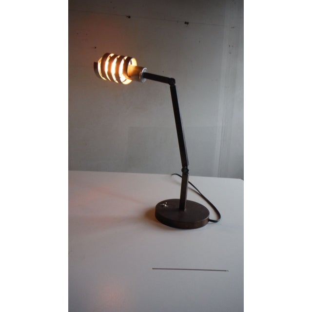 Inspired by the permanent aerial ballet taking place in the New York skyline, the crane desk lamp is a simple and elegant...