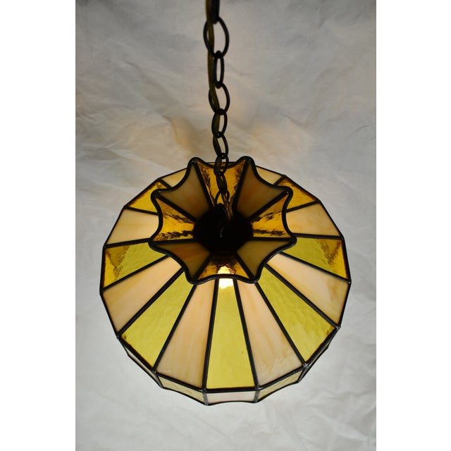Traditional Vintage Tiffany Style Leaded Glass Pendant Light Chandelier For Sale - Image 3 of 13